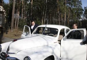 Янукович и Медведев примут участие в автопробеге