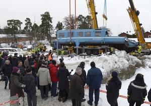 В Швеции уборщица на поезде врезалась в жилой дом