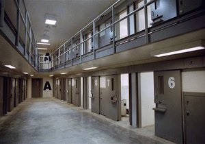 В Калифорнии 12 тысяч заключенных объявили голодовку
