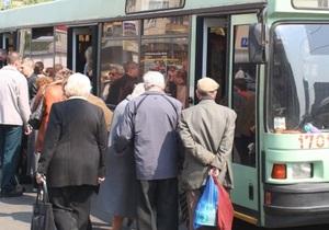В Севастополе загорелся троллейбус