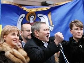 БЮТ: Черновецкий устраивает митинги для раскрутки своих песен