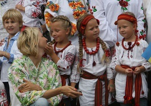 В Киеве прошел парад вышиванок