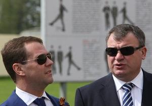Медведев призвал не воспринимать службу в армии как катастрофу