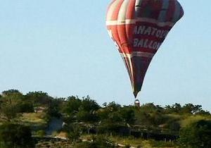 В Турции упал воздушный шар с туристами, двое погибших