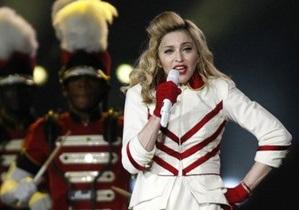 СМИ: Из Киева Мадонна уехала в домашних тапочках