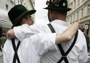 В грузинском селе избили и сбросили в реку троих геев из Германии