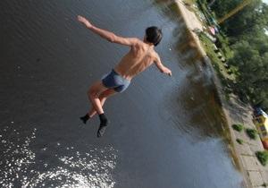 Киевлянам разрешили купаться на девяти пляжах