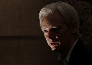 СМИ: Основатель WikiLeaks находится в Британии