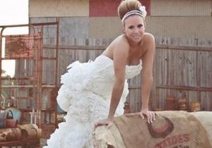 В США выбрали лучшее свадебное платье из туалетной бумаги