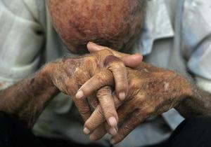 Литовский пенсионер избил жену из-за измены 60-летней давности