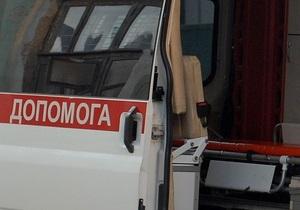 В Донецкой области BMW врезался в остановку, два человека погибли