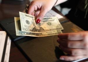На межбанке вырос доллар