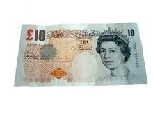 Нацбанк скупает английские фунты