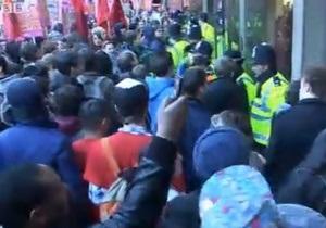 На улицы Лондона вышли 40 тысяч студентов