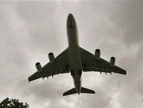 Пассажирский самолет исчез с радаров над Индонезией