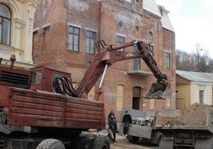 Азаров поручил КГГА проверить проблемные стройки в историческом центре Киева