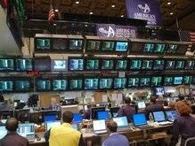 Обзор рынков: Нефть медленно дешевеет