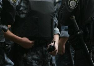 Участники акции под Украинским домом применили силу против правоохранителей - МВД