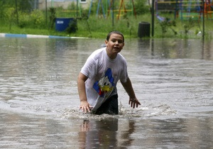 На западе и юге Украины продолжается ликвидация последствий наводнения