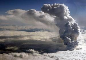 Финские истребители получили повреждения, пролетев через облако вулканического пепла