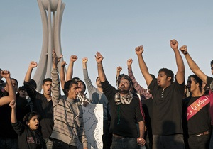 Полиция Бахрейна открыла стрельбу по демонстрантам