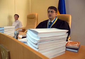 Киреев вынес предупреждение Королевской за попытку сфотографировать Тимошенко в суде
