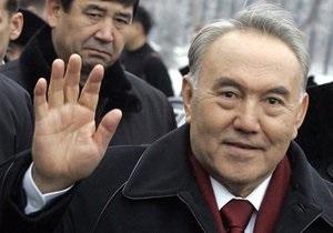 Назарбаев посетил Жанаозен, где прошли беспорядки