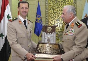 Отправленный в отставку и объявленный умершим министр обороны Сирии выступил на ТВ