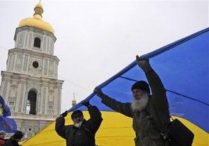 Рух: Милиция блокирует монтаж сцены для митинга в защиту украинского языка