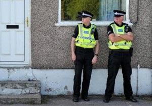 Британских полицейских попросили носить скромное нижнее белье