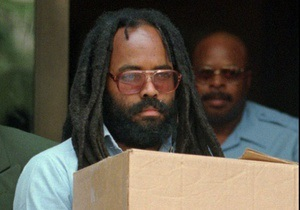 Знаменитому активисту Черных пантер отменили смертную казнь