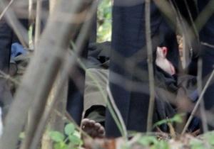 Источники в МВД: Человек, похожий на Мазурка, прятался в гаражах возле Каравана