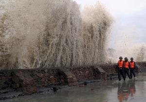 В Токио готовятся к сильнейшему за полвека урагану