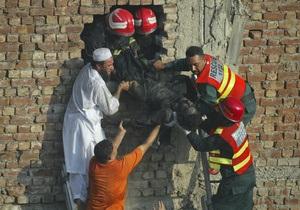 Число погибших на фабрике в Пакистане превысило 230 человек