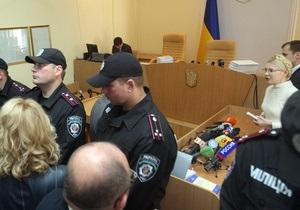 Тимошенко: Янукович дал указание беркутовцам штурмовать зал суда
