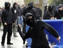 Первомай в Германии закончился драками правых и левых радикалов