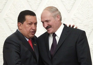 Путин передал Лукашенко подарок через Чавеса