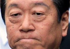 Глава правящей партии Японии отказался уйти в отставку, несмотря на арест трех помощников