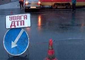 В Харькове столкнулись грузовик и трамвай