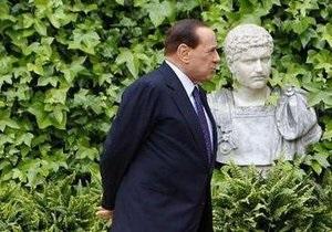 Берлускони убежден, что в Италии  даже слишком много свободы печати