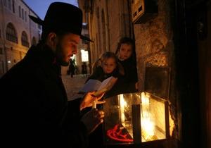 Сегодня еврейские общины всего мира начинают праздновать Хануку