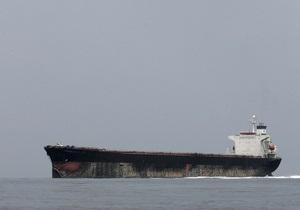 На танкере, перевозившем нефть из Украины в Китай, произошел пожар после атаки пиратов