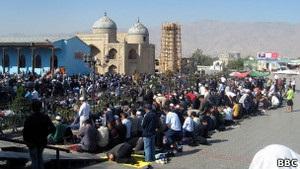 Таджикские теологи подают в суд на главного муфтия страны