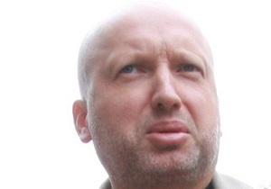 Турчинов заверил, что не намерен покидать Украину