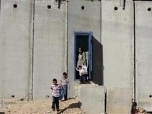 Военнослужащие Израиля блокировали палестинский поселок