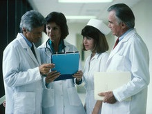 Рейтинг самых доходных профессий США оккупировали врачи