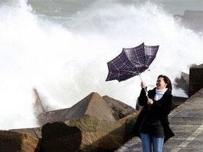 Ураган, обесточивший Францию, переместился на запад Чехии