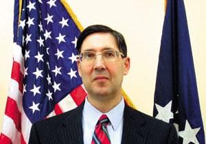 Экс-посол США считает, что введение санкций против украинских властей будет способствовать реформам в стране