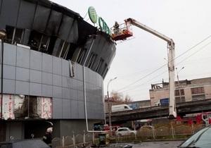 В Киеве на Шулявке горела трехэтажная пристройка к высотному зданию