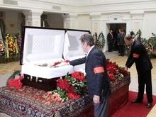 Руководство Украины попрощалось с Сиротой